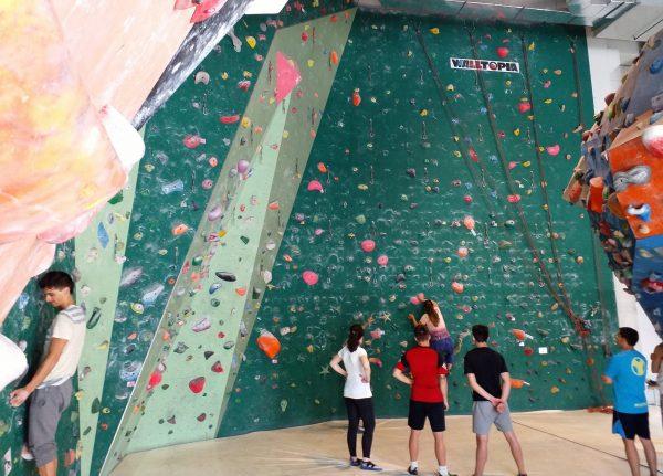 King kong climbing 3