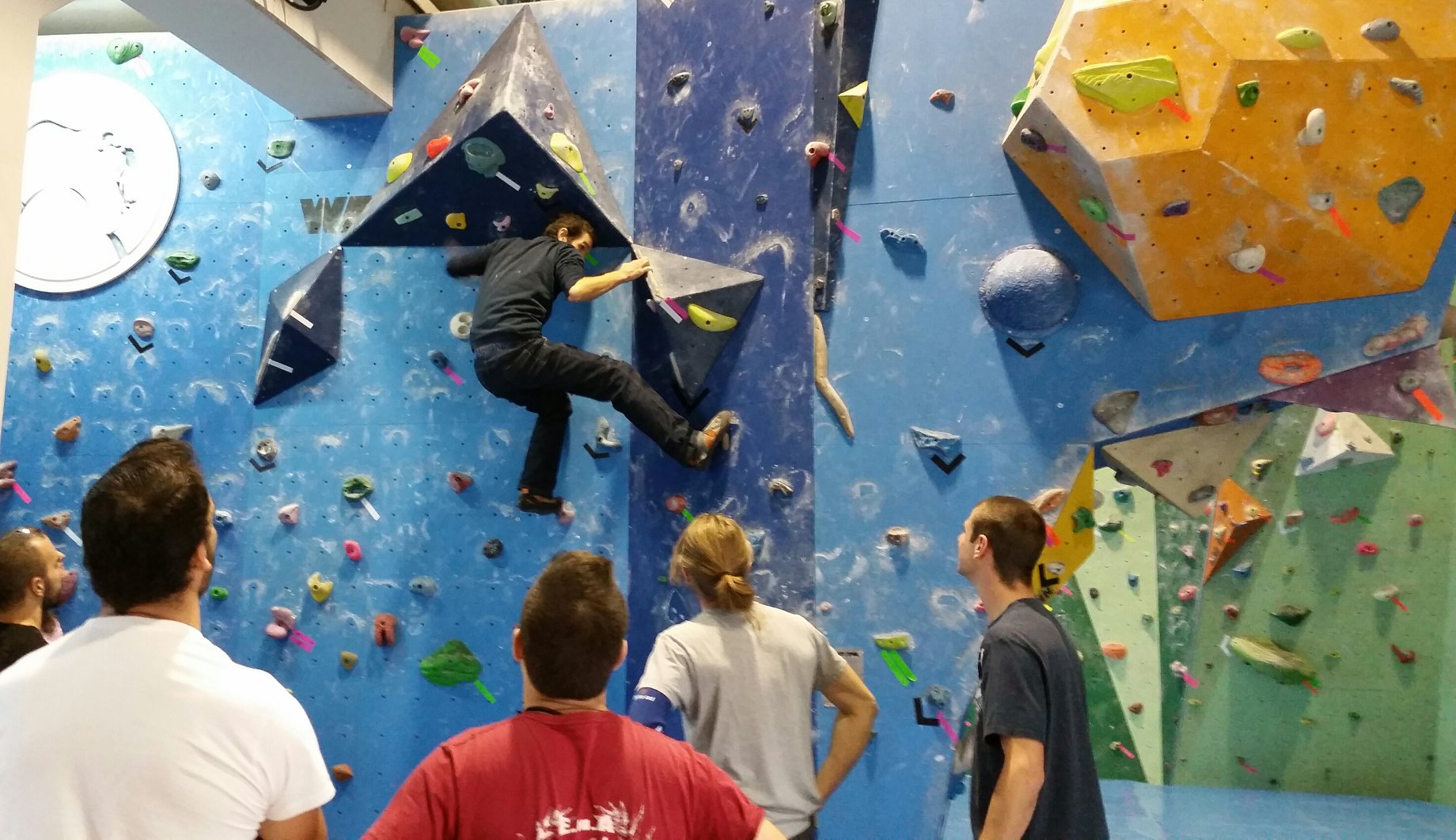 King Kong Climbing